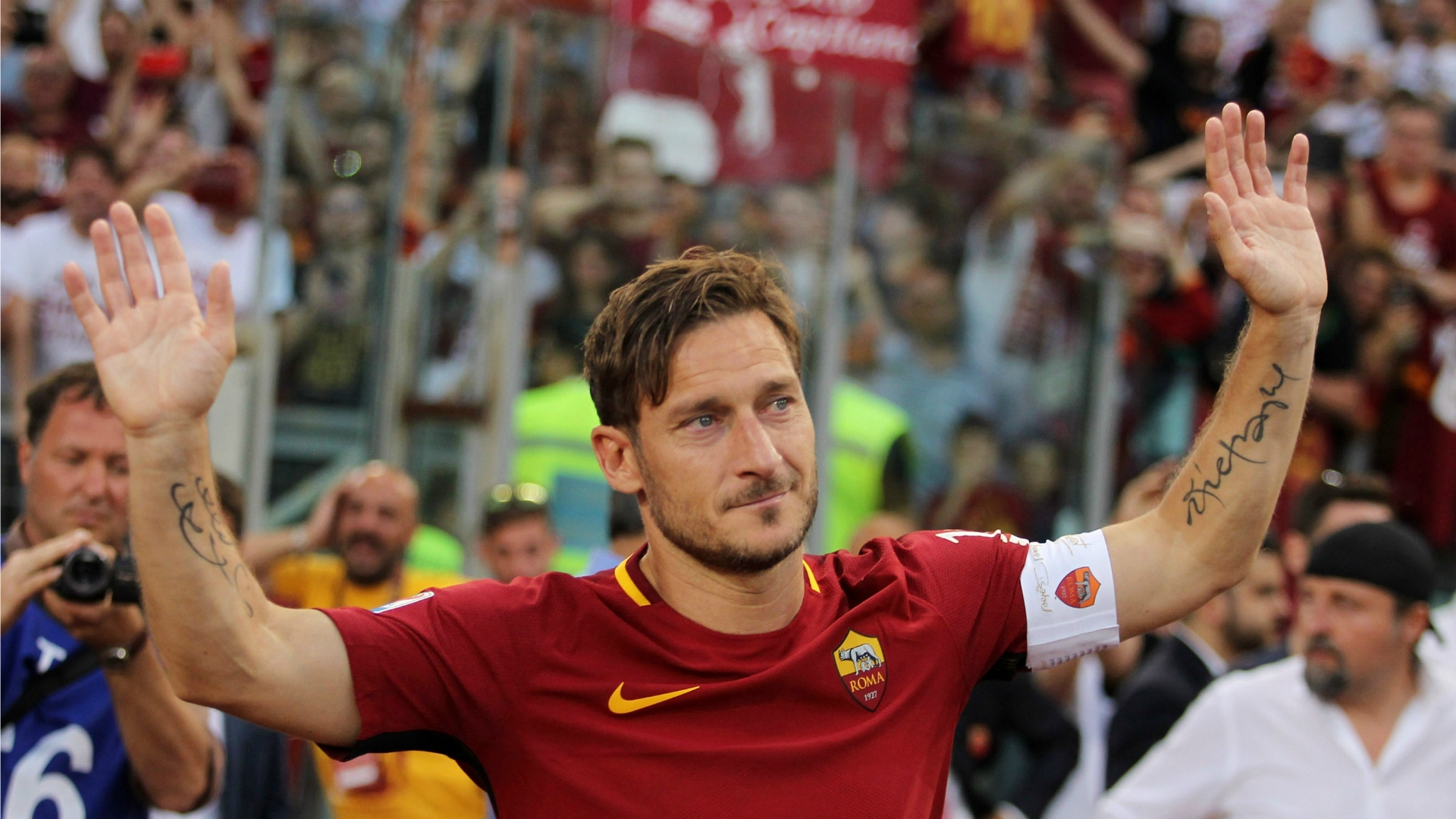 Francesco Totti delivered an emotional speech at the end of the game