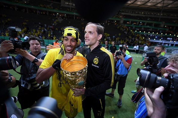 Thomas Tuchel and Pierre-Emerick Aubameyang celebrate trophy
