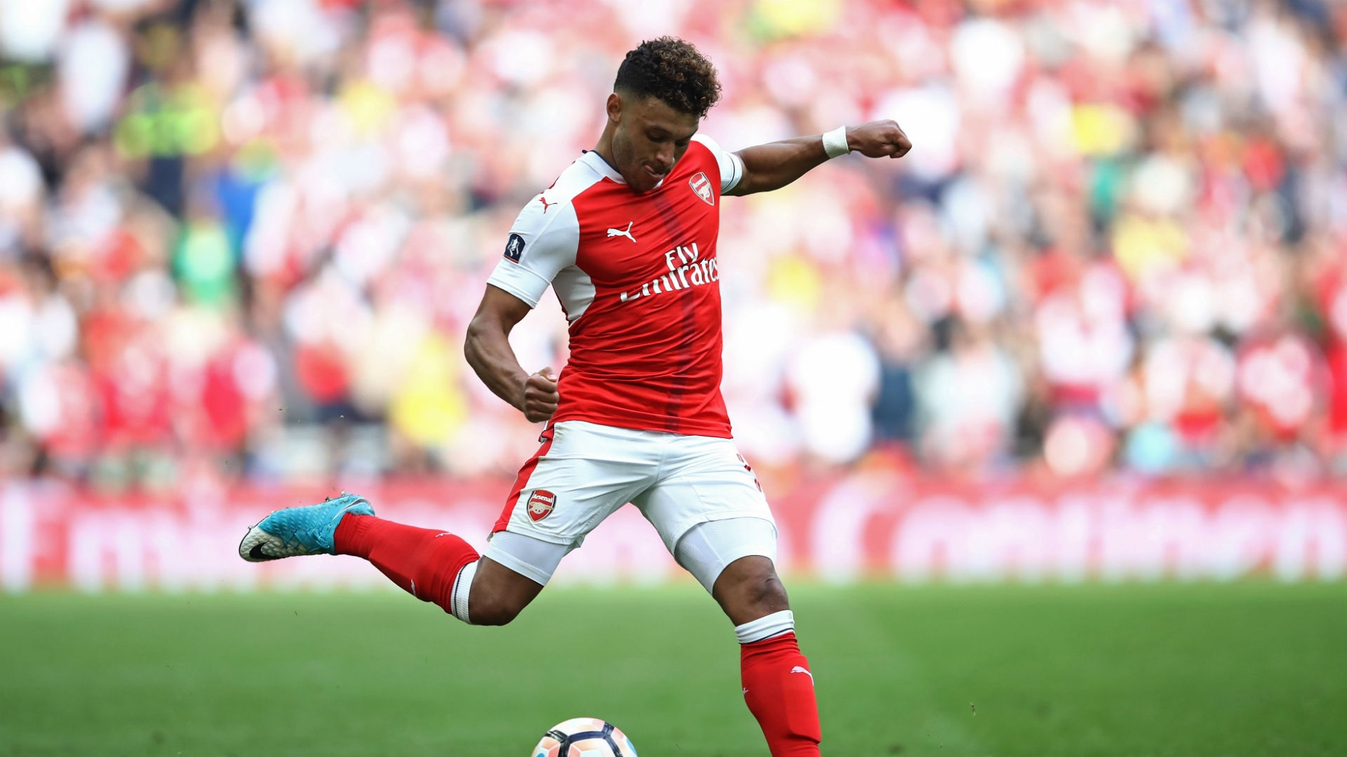 "Parlour went on to tell talkSPORT that Oxlade-Chamberlain is a ""key player"" in Arsenal's team."
