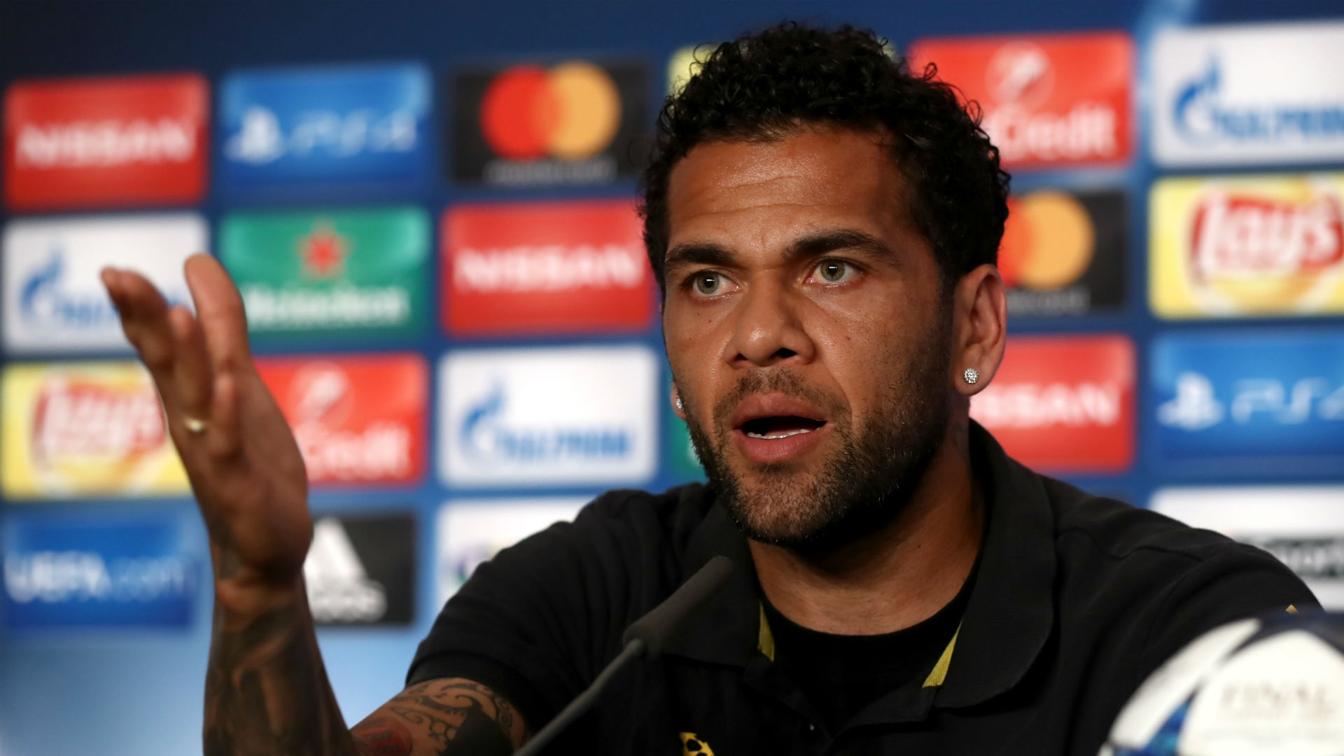 "Daniel Alves insisted in the statement that he does not ""play for money""."