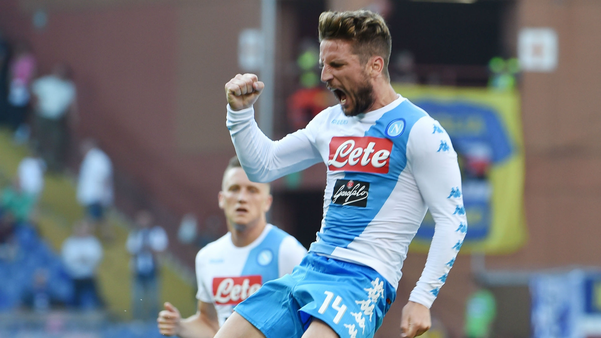 Dries Mertens happy to remain at Napoli
