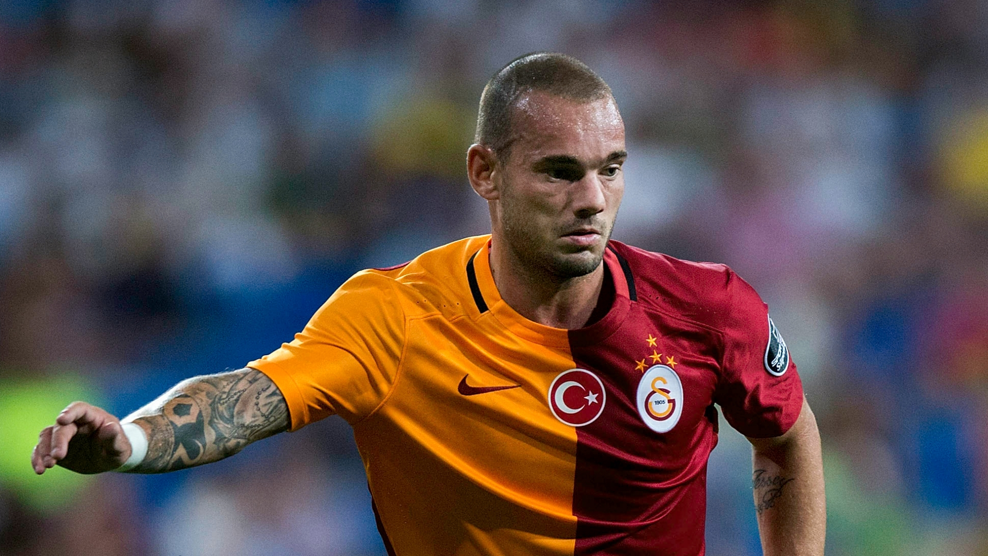 At the time that Sneijder first joined Galatasaray he was perhaps one of the most high-profile players to have joined the Turkish league.