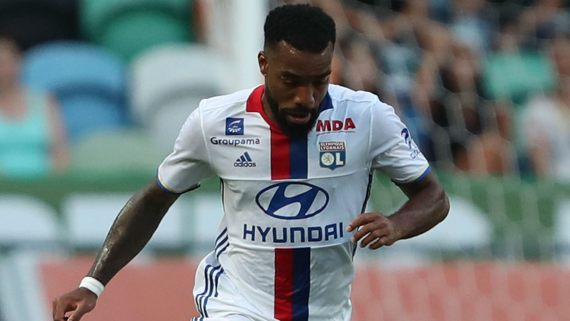 It now seems that Wenger has made up his mind and will let Lyon name their price for Lacazette in an attempt to bring back the goal-scoring flair of the days when Thierry Henry wore the Arsenal jersey.
