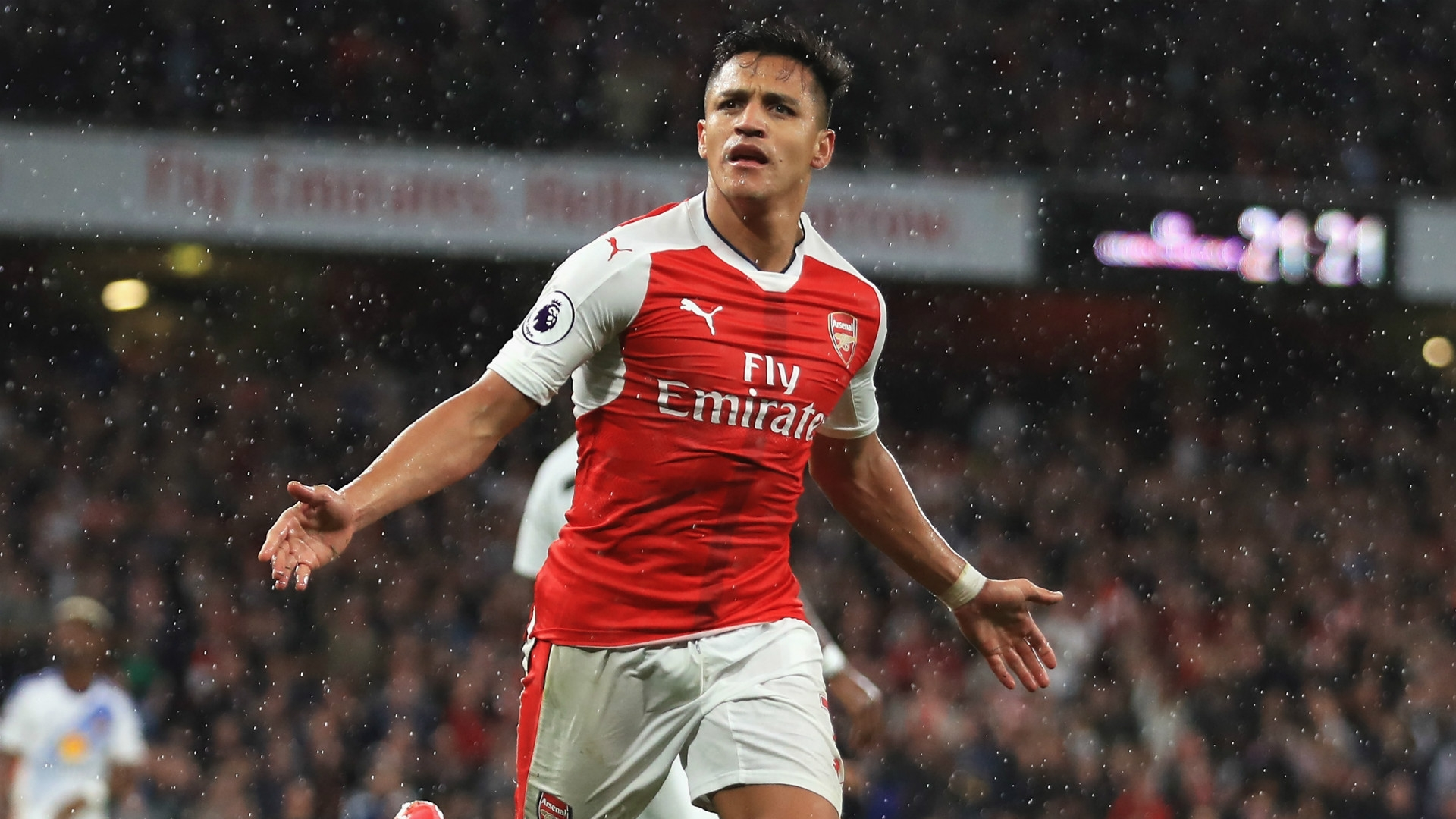 A move away from Arsenal seems more and more likely each day for Alexis Sanchez. Manager Wenger, however, continues to deny the rumours.