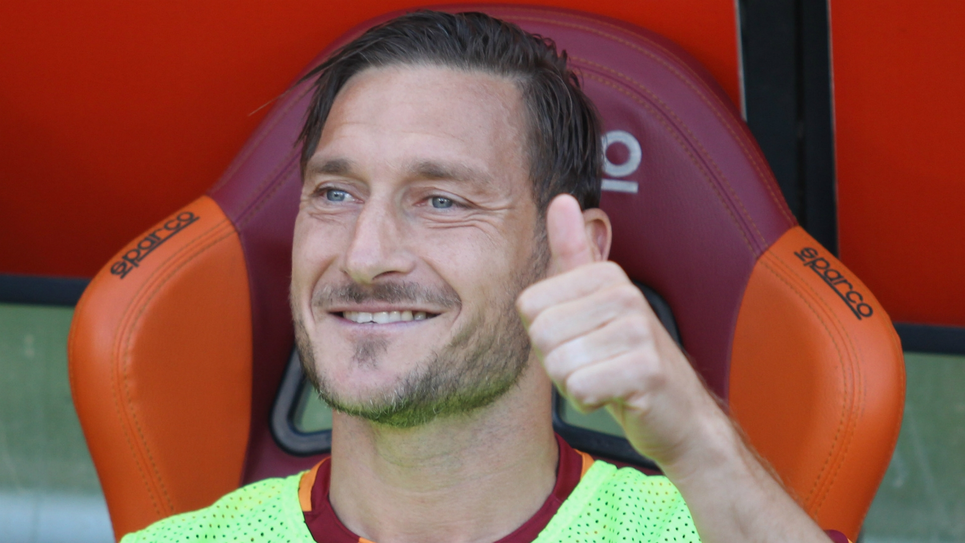 Hanyu says that to his understanding the Japanese club and remaining at Roma are Totti's two options at the moment.