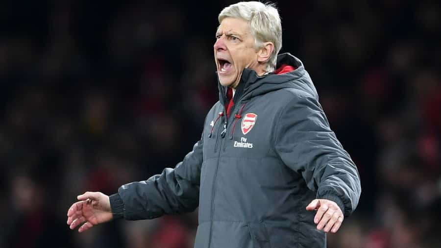 Arsenal's Arsene Wenger keeping title hopes alive