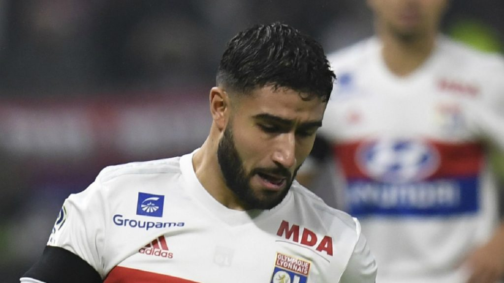 Nabil Fekir and Memphis Depay score in Lyon;s victory against PSG