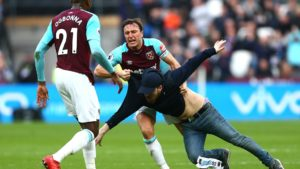 Mark Noble, West Ham captain could face disciplinary penalties following interaction with supporter