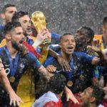 Franța câștigă Cupa Mondială împotriva Croației. Câți jucători francezi apar în Echipa Turneului în cadrul FootballCoin?